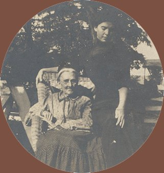 Vintage Photo 1880s/1890s WOMAN & GRANDMOTHER
