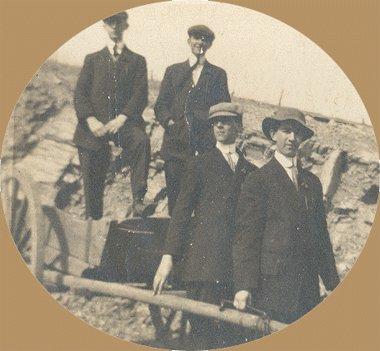 Vintage Photo MEN PULLING WAGON 1890s/1910s
