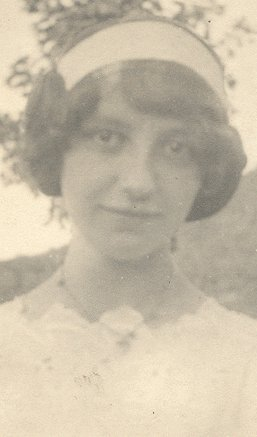 Vintage Photo PRETTY GIRL in WHITE DRESS 1900s