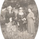 Vintage Photo LADIES IN THE GARDEN 1930s/1940s