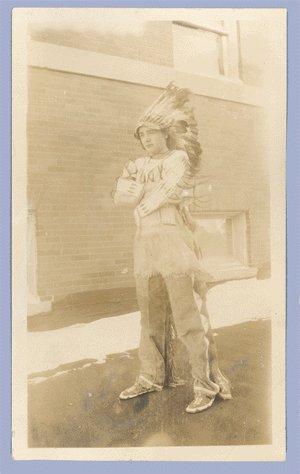 Vintage Photo 1920s INDIAN Lakota Sioux HEADDRESS