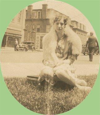Vintage Photo WOMAN POSING in Fur 1920s/30s CAR