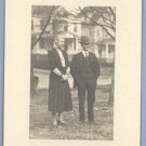 Vintage Photo 1930s/1940s COUPLE pose Outside