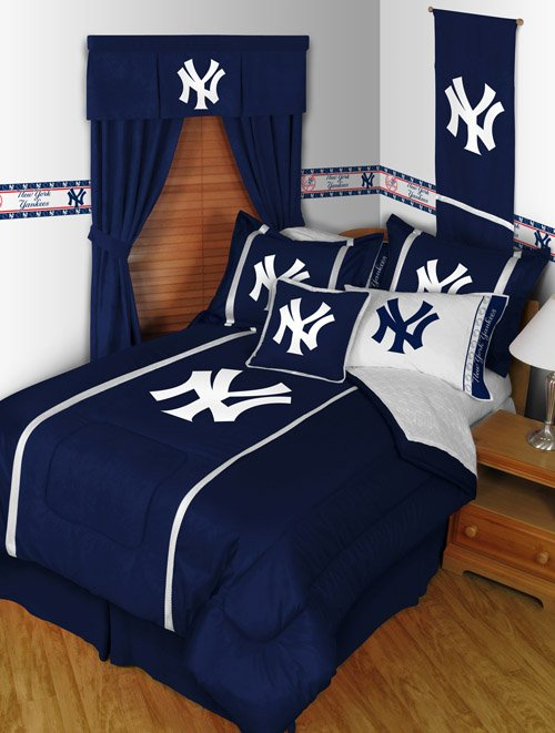 New York Yankees Comforter and Sheet Set - Queen
