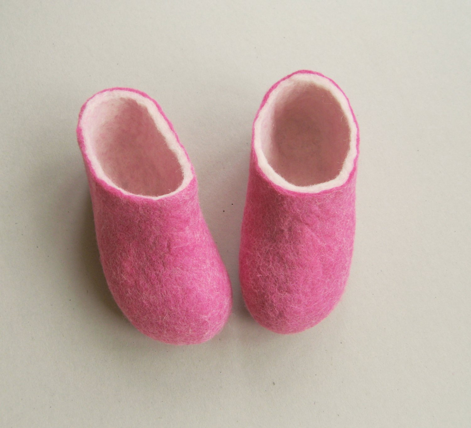 Felted Shoes Booties for baby. Pink purple Angel. Natural fiber