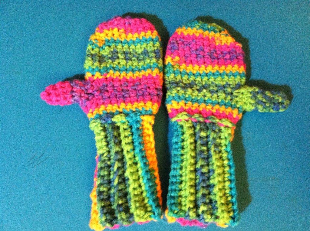 Crocheted Mittens 4-5 yrs