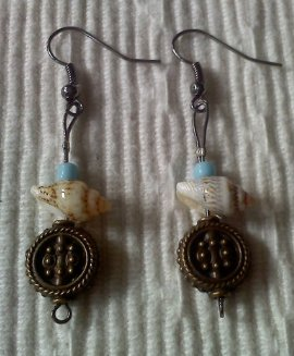 Sea Shell Necklace and Matching Ear Rings