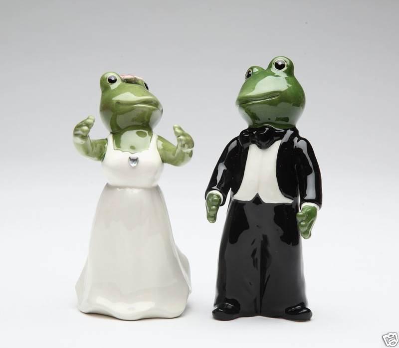 Alfrogo Frog Bride and Groom Wedding Couple Salt and Pepper, Wedding or Bridal Gift