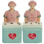 I Love Lucy - Lucy and Ethel At Chocolate Factory Salt and Pepper