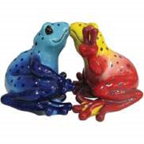 Peace Frogs Magnetic Kissing Frogs Salt and Pepper Shaker