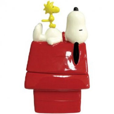 Peanuts Magnetic Snoopy and Woodstock On Dog House Salt & Pepper