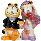 Garfield The Cat Bride and Groom Wedding Couple Salt and Pepper