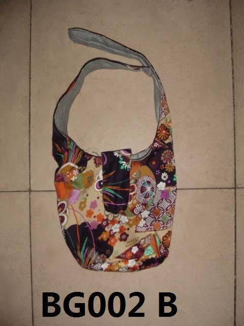 Chinese  Fabric purse with un tie strip