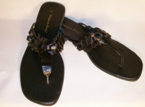 black leather flat sandals size 11