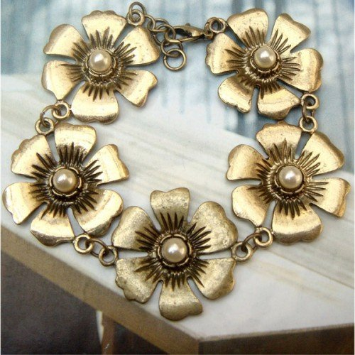 Elegant Retro Brass Flower Bracelet