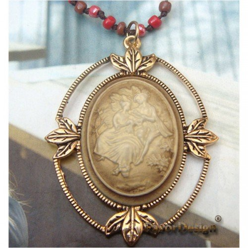 Pretty Retro Copper Beauty Necklace Pendant Vintage Style