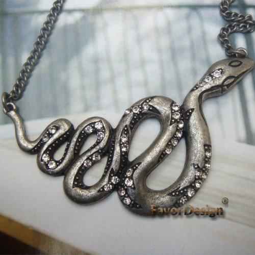 Elegant Silver Plated Crystal Snake design Pendant Necklace