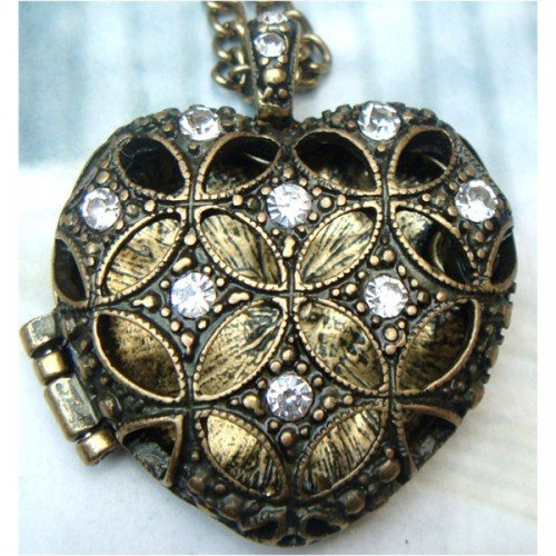 Vinatge Style Retro Brass Heart Locket Pendant Necklace