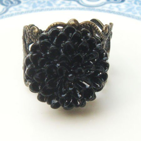 Adjustable Size Brass Black Resin Flower Ring