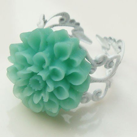 Adjustable Size Brass Green Resin Flower Ring