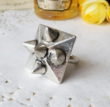 Vintage Style Vogue Steampunk Punk Silver Large Square Ring