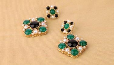 Antiqued Brass Vintage Style Classic Ear Stud Rhombus Pearl Crystal