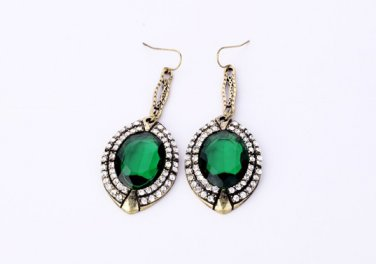 Antiqued Gold Vintage Style Classic Vogue Earrings Emerald Green Full Drill Vintage Earrings