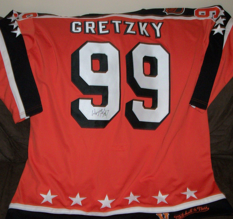 Wayne Gretzky autographed Campbell Jersey