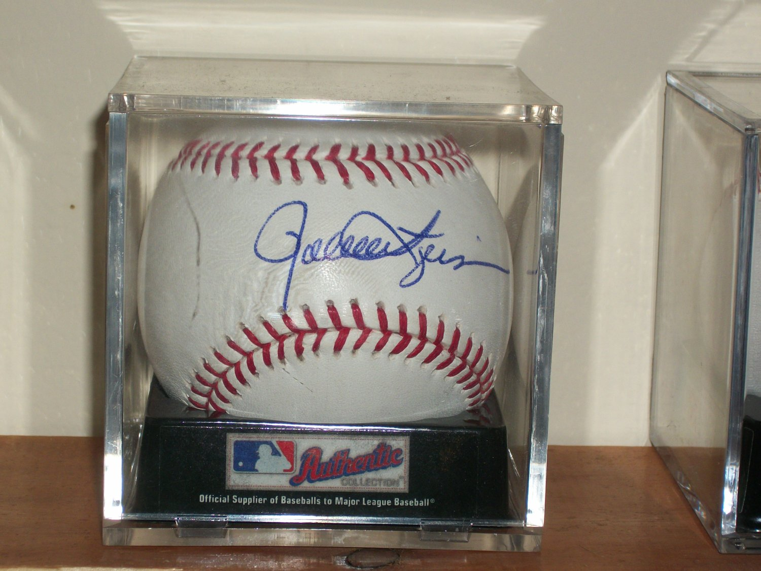 Rollie Fingers autographed authentic MLB baseball