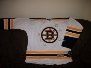 Boston Bruins team signed Winter Classic Authentic Jersey