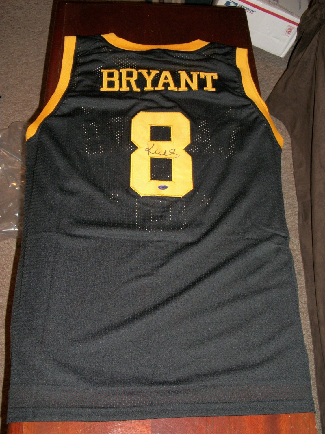 Kobe Bryant autographed black throwback #8 Lakers Jersey