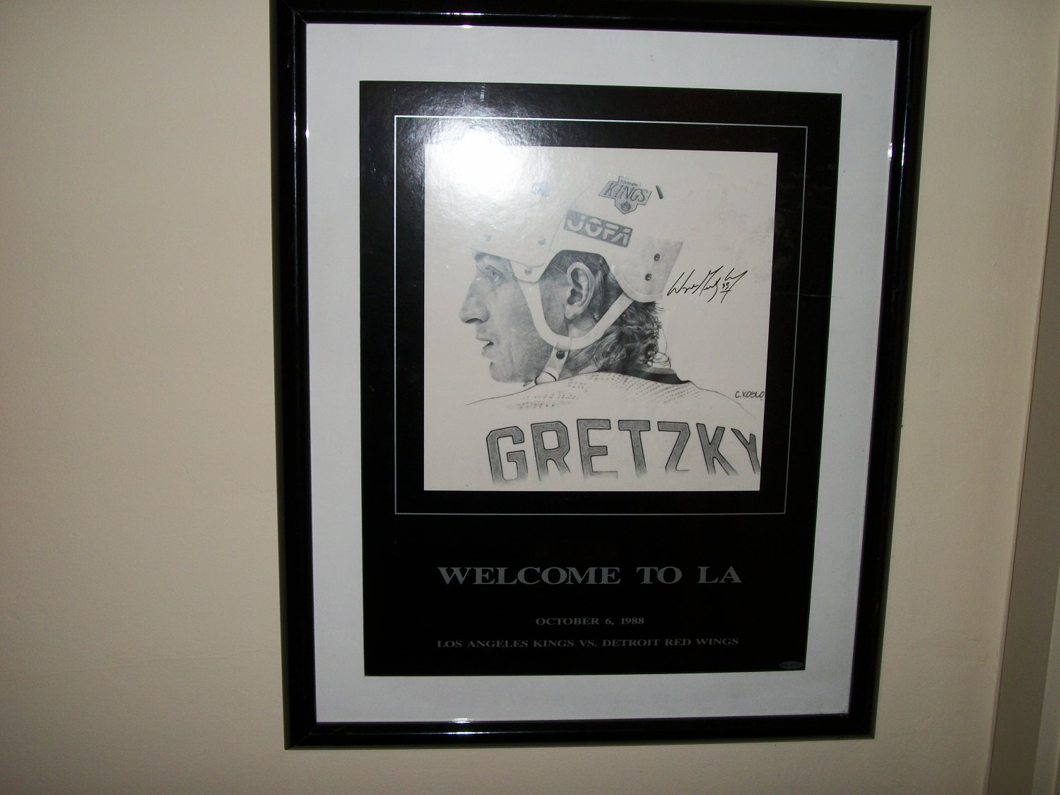 """Wayne Gretzky autographed 16 by 20 """"Welcome to LA"""" poster drawing"""