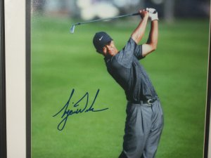 Tiger Woods Framed Limited Edition 16x20 Photo.