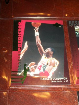 Hakeem Olajuwon 94-95 Upper Deck basketball card- RARE Scoring Predictor limited edition insert