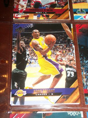 Kobe Bryant 05-06 Upper Deck basketball card