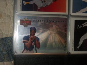 Darryl Strawberry 93 UD Then+Now Hologram Rare Insert Baseball Card