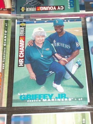Ken Griffey Jr 1995 UD Collector's Choice baseball card- A.L. Home Run Champ