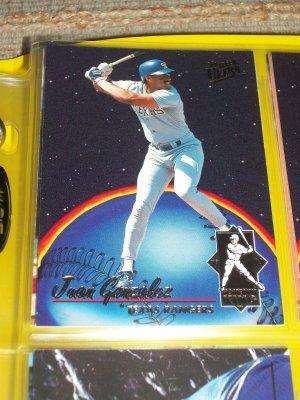 Juan Gonzalez 93 fleer ultra RARE insert- Home Run King Baseball Card