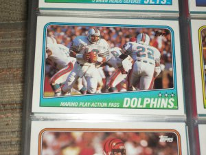 """1988 Topps Miami Dolphins Team football card- Featuring """"Dan Marino play action pass'"""