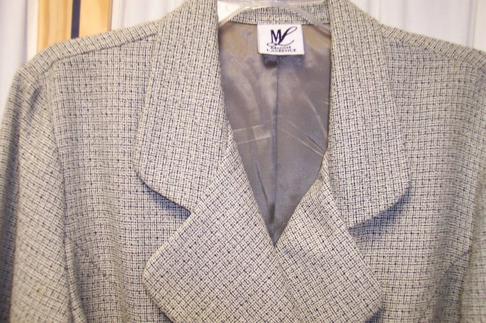 Maggie Lawrence Blazer Jacket Size 10  or 8  141-102 Once Is Never Enough