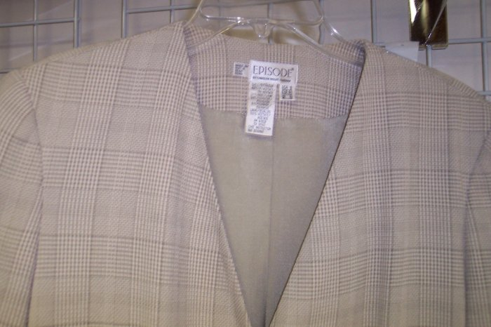 Episode by Carolyn Wight Freeman Pants Suit Size 6 and  8 Once Is Never Enough