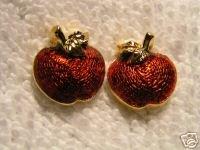 Vintage Avon Apple Harvest Pierced Earrings Goldtone Like New 101-4067