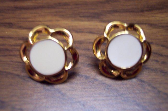 Vintage Pierced Goldtone Enamel Earrings 101-3780 Costume Jewelry