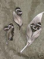 Vintage Silvertone Demi Parure Pin Brooch and Clip Earrings