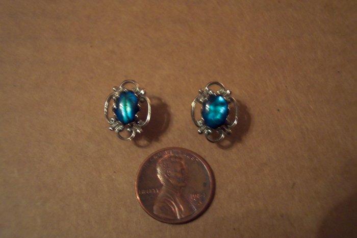 """Vintage Silvertone Blue TIGER""""S EYE Stone PIERCED EARRINGS 101-3801"""
