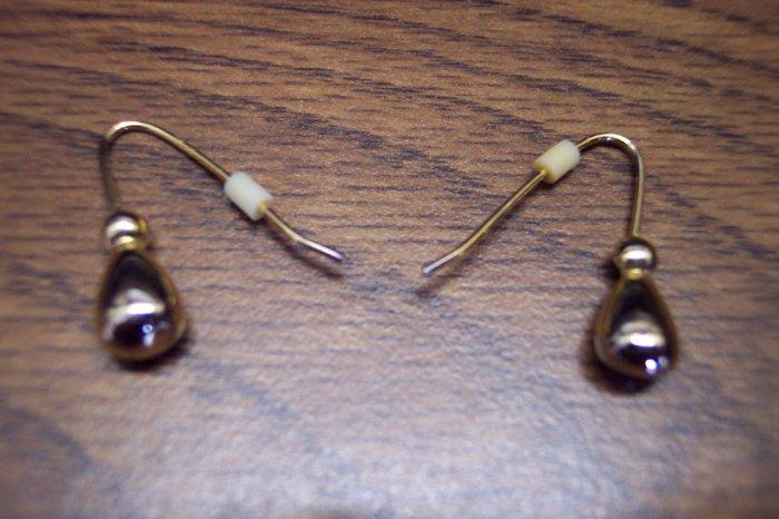 Goldtone Pierced Earrings 101-3799 Vintage Costume Jewelry