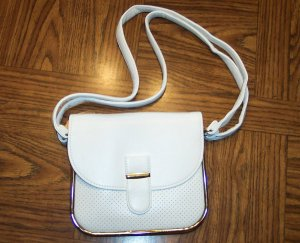 Vintage White Faux Leather Pleather Handbag Purse 101-h131h location131