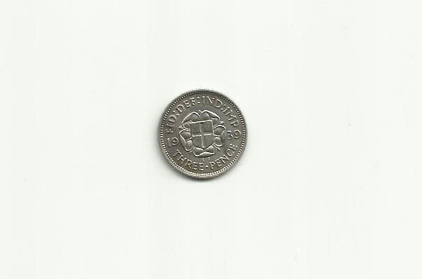GREAT BRITAIN KING GEORGE VI 1939 SILVER THREE PENNY COIN