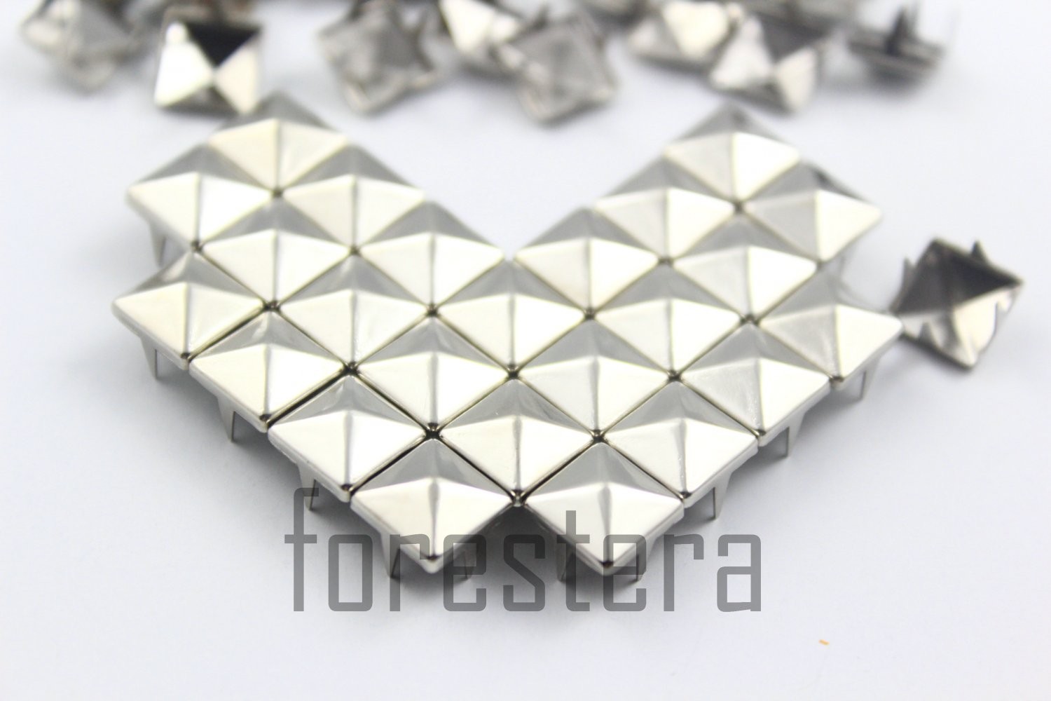 100 8mm Silver Pyramid Studs DIY Studs Metal Studs Craft Studs Spike (SP08)