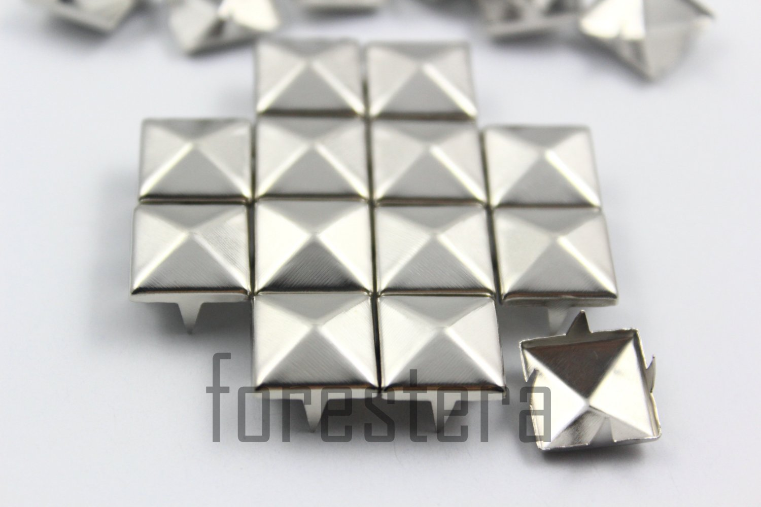 100 12mm Silver Pyramid Studs DIY Studs Metal Studs Craft Studs Spike (SP12)